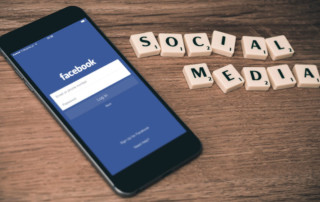 6 Pros and Cons of Using Social Media for Your Business