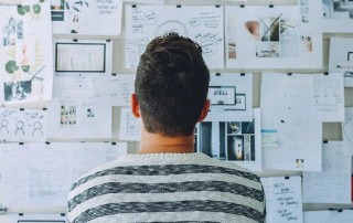 those who are looking to design an eye-catching logo from scratch need to learn about which are the most effective approaches to take from the very beginning. Let's take a closer look at two key takeaway concepts.